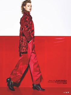 Lindsey Wixson shows the power of red for Vogue Turkey August 2015 by Richard Burbridge [Editorial]