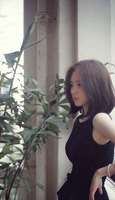 Yun Seonyoung/ - Another! Girl Short Hair, Short Hair Cuts, Korean Short Hair, Medium Hair Styles, Long Hair Styles, Shot Hair Styles, Beautiful Asian Women, Cute Hairstyles, Asian Hairstyles