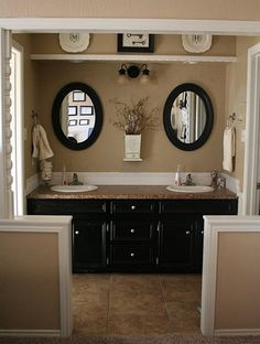 Beautiful Black and Tan bathroom.... Love this for the new house