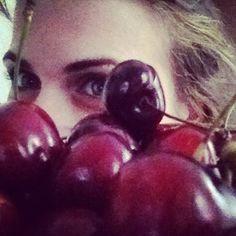 Invasione di #ciliegie  ma quanto le #amo ? Quante ne mangio???  #instagood #instalove #instalife