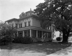 Peterson-Dumesnil House, Louisville, Kentucky, 1942. :: R. G. Potter Collection