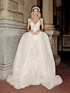 Victoria Kyriakides Fall/Winter 2016-2017 Bridal Collection - Love4Wed