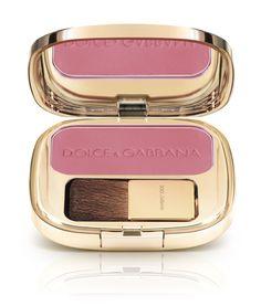 Le make-up Dolce & Gabbana bien connecte au defile - blush