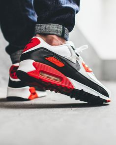 Nike Air Max 90 Infrared (by appie.tv)
