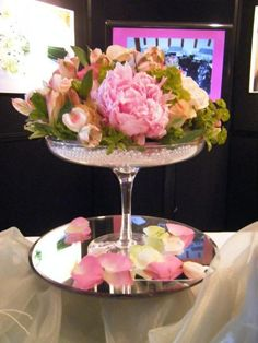 Glass cake stand with pearl details