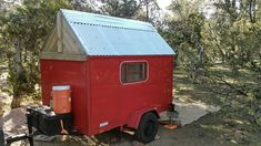 He Upcycled This Cargo Trailer Into A Gorgeous Micro Camper Cargo Trailer Camper, Sprinter Camper, Truck Camper, Trailers Camping, Cheap Trailers, Camper Trailer Australia, Vintage Campers Trailers, Cargo Trailers, Travel Trailers