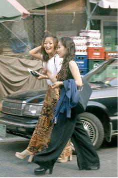South Korea Street Style: 18 Forgotten Trends All Koreans Were Obsessed With ~ vintage everyday Grunge Fashion, All Fashion, Retro Fashion, Fashion Looks, Fashion Styles, Style Fashion, Fashion Ideas, Korean Fashion Trends, Korean Street Fashion