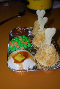 TV Dinner Cupcakes    Cleaver idea to make for Guests.