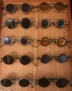 Men Sunglasses Fashion, Mens Sunglasses, Cool Glasses, Cool Items, Jewelry Crafts, Sunnies, Eyeglasses, Eyewear, Round Sunglasses