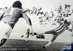 El Hacha Ludueña uno de los 5 máximos goleadores de la historia albiazul Club Atlético Talleres  Este 21 de febrero Luis Ludueña está festejando un nuevo cumpleaños. Una gran ocasión para repasar algunos números de su extensa carrera con la camiseta de Talleres la cual defendió en 340 ocasiones.  Nació en Córdoba en 1954. Se desempeñó tanto como volante central como derecho. Llegó al Club proveniente de San Lorenzo de Córdoba en 1974. Junto a Diego Garay son los únicos mediocampistas que…