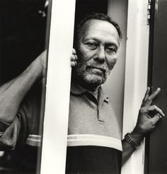 Hua Hsu on the Jamaican scholar Stuart Hall and his contributions to the study, understanding, and appreciation of popular culture. Stuart Hall, Moral Panic, African American Studies, Social Research, Media Influence, British Summer, Cultural Studies, The New Yorker, Popular Culture