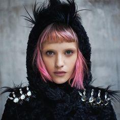 Bird girl N.3 @paolosantambrogio @ivavarvarchuk @barbie.ciccognani_makeup @circustudios @alicegentilucci