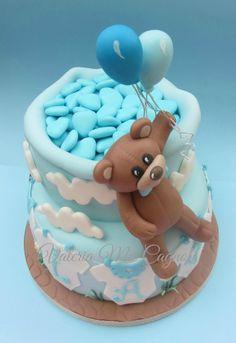 Beautiful Christening cake, made by cake designer Valeria Mei Cagnoli.