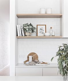 Kitchen Interior, Kitchen Decor, Kitchen Design, Kitchen Ideas, Coastal Interior, Kitchen Shelves, Cupboards, Interior Desing, Interior Styling