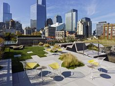 Urban Garden Design - So, what exactly does one do with a barren industrial landscape atop one of Tribeca's landmarked buildings? HMWhite Architects were faced with this predicament when they were enlisted to transform. Garden Oasis, Terrace Garden, Garden Mall, Landscape Architecture, Landscape Design, Garden Design, Atrium, Penthouse Garden, Rooftop Terrace Design