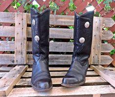 61528ff9dca Tony Lama cowgirl boots 6.5   vintage 80s black cowboy boots