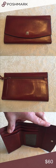 Bosca wallet Beautiful Bosca brown leather wallet. Excellent condition, like new. When closed measures 5 1/2 inches, when opened 9 1/2 inches. Bosca Accessories
