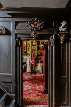 Malplaquet House, Mile End Road. Pic by Philippe Debeerst, Pinned from Spitalfields Life.com
