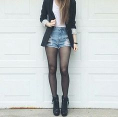 blazer and shorts Short Outfits, Fall Outfits, Casual Outfits, Fashion Outfits, Womens Fashion, Blazer Fashion, Fashion Trends, Blazer And Shorts, Shorts Tights