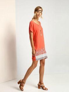 Dámske krátke šaty TOP SECRET - červená a4a04fe786
