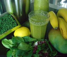 Green Smoothie BASIC RECIPE NEW: Antioxidants f Vitality / Rejuvenation u Figure control by chlorophyll in green leafy vegetables! Best Smoothie, Smoothie Drinks, Detox Drinks, Breakfast Smoothies, Healthy Smoothies, Healthy Drinks, Vegetable Smoothie Recipes, Xls Medical, Raw Food Recipes