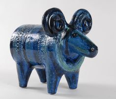 Bitossi Ram, by Aldo Londi, circa Italy 4 Ceramic Pottery, Pottery Art, Ceramic Art, Painted Pottery, Pottery Animals, Ceramic Animals, Vintage Pottery, Vintage Ceramic, Pottery Shop