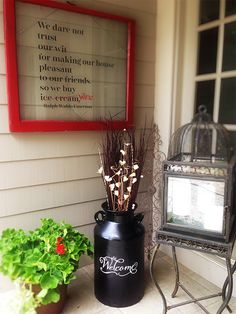 Milk Can Makeover.I have a milk can that needs repainting.I may just have to add the welcome decal onto it after I repaint it! Milk Can Garden Ideas, Metal Milk Jug, Milk Pail, Milk Jugs, Painted Milk Cans, Milk Can Decor, Burlap Kitchen, Old Milk Cans, Thanksgiving Decorations