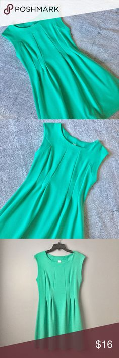 🆕Mint Green Mystique Boutique Dress Size Large Mint green dress from Mystique Boutique. Size Large. No pockets. No zipper. In great condition.   96% Polyester.  4% Spandex.   Any questions? Feel free to ask   Pet free home.  Smoke free home. Mystique Boutique Dresses Mini