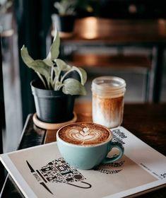 Make your own gourmet coffee start with the beans. Gourmet Coffee beans can be bought by the pound. Coffee Tasting, Coffee Drinkers, Coffee Cafe, Coffee Latte Art, Coffee Humor, Banana Coffee, Kona Coffee, Coffee Break, Morning Coffee