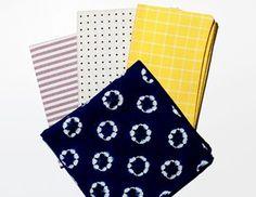 Οι καλοκαιρινές pocket squares προσθέτουν στην εμφάνιση σας. Μια σειρά με μικρότερο μέγεθος ώστε να χωρά χωρίς πρόβλημα, της O'Harrow Clothiers, προτείνει το GQ. Συνδυάζουν κλασικά μοτίβα με modern trends και φτιάχνονται από πρώτης ποιότητας