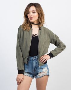 For those colder spring nights. This olive Woven Zip Up Bomber Jacket looks amazing over a black tee, ripped jeans, and ankle booties for a minimal chic look.