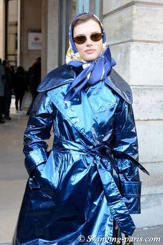 Giedre Dukauskaite leaving Lanvin show, Paris F/W 2018 RtW Fashion Week, February 2018 Vinyl Raincoat, Pvc Raincoat, Rainy Day Fashion, Autumn Fashion, Black Raincoat, Head Scarf Tying, Head Scarf Styles, Raincoats For Women, How To Wear Scarves