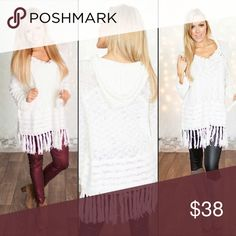 En creme sweater dress Perfect condition :) Sweaters