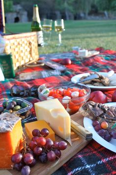 Free Shakespeare in the Park + The Perfect Picnic = Summer in LA! #picnicfood