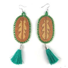 Native American Fashion, Clothing, Jewelry, and Accessories Leather Earrings, Tassel Earrings, Drop Earrings, Birch Bark Crafts, Silk Thread Bangles, Native American Fashion, Beading Ideas, Ear Rings, Clothing Ideas