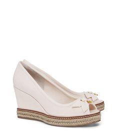 e99b381e3ee583 JACKIE WEDGE. Designer ShoesDesigner DressesOutfit Of The DayEspadrillesDay  DressesTory BurchWedgesEspadrilles ...
