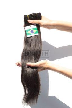 Ίσια τρέσα χρώμα καστανό Χειριστείτε την όπως και τα δικά σας φυσικά μαλλιά. Τα Brazilian είναι πάρα πολύ ανθεκτικά αλλά στην βαφή θα υπολογίσετε ότι τα χρώματα θα βγαίνουν ελαφρώς σκουρότερα λόγο της ύπαρξης περισσότερης μελανίνης σε σχέση με τα δικά μας μαλλιά.