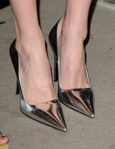 Kate Bosworth Photos - Actress Kate Bosworth (shoe detail) attends the screening of LD Entertainment's 'Black Rock' at ArcLight Hollywood on May 2013 in Hollywood, California. - 'Black Rock' Screening in Hollywood Sexy Heels, High Heels, Silver Shoes Heels, Kate Bosworth, Lovely Legs, Black Rock, Photo Black, Fashion Heels, In Hollywood