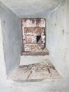 Atlantikwall Regelbau - Radar Bunker with Socket for Wassermann S Radar Abandoned Buildings, Abandoned Places, Secret Bunker, Bunker Hill Monument, Doomsday Bunker, Underground Bunker, Safe Room, Nuclear War, War Image