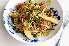 Kip met boontjes, peer en noedels - Recept - Allerhande - Albert Heijn