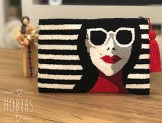 Diy Clutch, Decorative Cushions, Punch Art, Punch Needle, Rug Hooking, 3 D, Diy And Crafts, Weaving, Cross Stitch