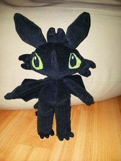 The newest dragon of How to train your dragon movie Dragon Movies, New Dragon, Cartoon Characters, Fictional Characters, How Train Your Dragon, Plush, Halloween, Dogs, Dinosaurs