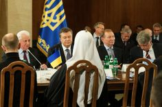 Ukrainian President Meets With Opposition Leaders - NYTimes.com