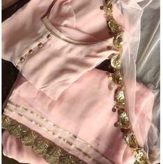 Patiala Suit Designs, Kurta Designs Women, Kurti Designs Party Wear, Blouse Designs, Pakistani Fashion Casual, Pakistani Dress Design, Pakistani Outfits, Indian Fashion, Punjabi Suits Designer Boutique