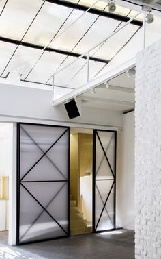 Image 7 of 45 from gallery of BRIC Art Space / maison h. Photograph by Martijn de Geus Chinese Architecture, Architecture Office, Architecture Design, Office Interior Design, Office Interiors, Architectural Design Studio, Gallery, Outdoor Decor, Room Dividers