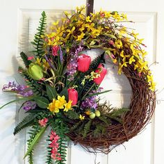 how to make a tulip wreath | Grapevine Wreath with tulips, Easter wreath, Spring Summer Wreath ...