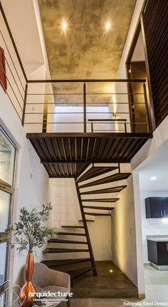 Blacksmithing stairs for interiors - Decoration and Fashion Small Space Staircase, Staircase Design, Modern Interior Design, Interior Architecture, Balustrades, Townhouse Designs, Steel Stairs, Stair Decor, Modern Stairs