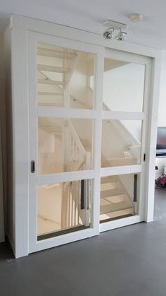 Close an open staircase # closing Open Staircase, Staircase Design, Open Trap, Style At Home, Happy New Home, Flooring For Stairs, Casa Patio, House Stairs, Attic Spaces