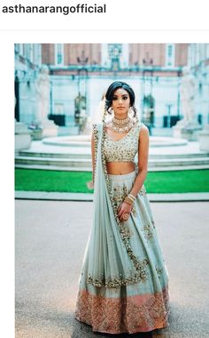 44 trendy wedding indian outfit lehenga choli colour - Best Picture For wedding ceremony decorations red For Your Taste You are looking for something, an Indian Bridal Outfits, Indian Bridal Wear, Indian Dresses, Indian Wear, Indian Clothes, Indian Blouse, Indian Wedding Clothes, Indian Wedding Fashion, Moda Indiana