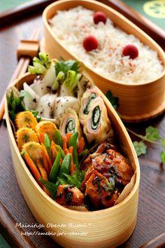 にんにく鶏の大葉バター醤油焼き弁当~パパのお弁当~ Japanese Lunch Box, Japanese Food, Bento Box Lunch For Kids, Bento Recipes, Exotic Food, Breakfast Time, Food Menu, Asian Recipes, Sushi